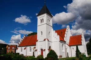 Brabrand Kirke byder op til fællesskab