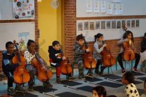 På Tovshøjskolen spiller alle børn i 1. klasse cello