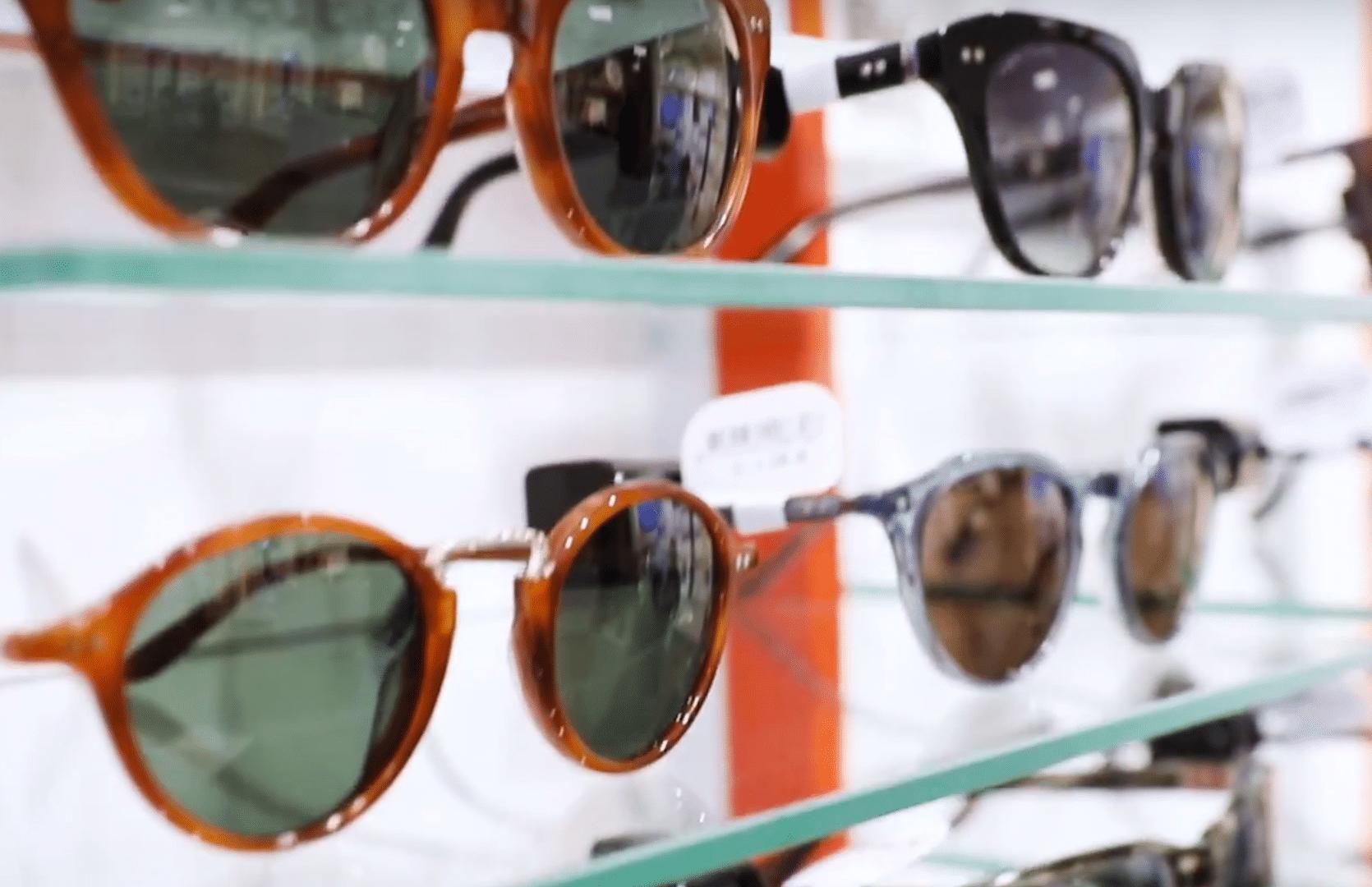 7d286474073c De stjålne solbriller er af mærkerne Converse