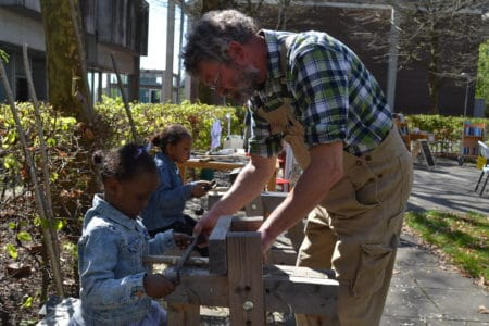 Børn viste nye talenter på markedsdag i Gellerup