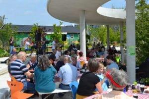 Boldspil, bålmad og fællesspisning i den nye bypark