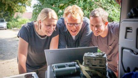 TV2 på jagt efter mårhunden i Brabrand