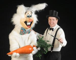 Brabrand Kulturuge: Sjov søndag med tryllerier og kaninkram