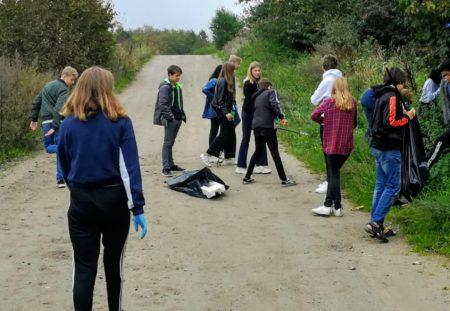 Elever kortlægger plastforurening i lokalområdet