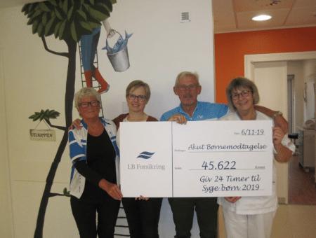 """""""Giv 24 timer"""" ved Brabrand Sø gav 45.000 kr. til syge børn"""