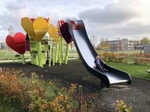 Brabrand i Børnehøjde 3: Legepladsen ved Væksthuset