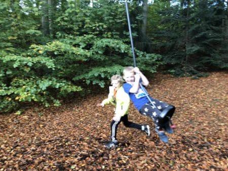 Brabrand i Børnehøjde 2: Legepladsen ved Hans Broges Have