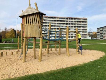 Brabrand i børnehøjde 7: Legepladsen i Skovgårdsparken