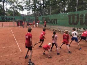 Tennis og hygge på banerne i Brabrand Bakker