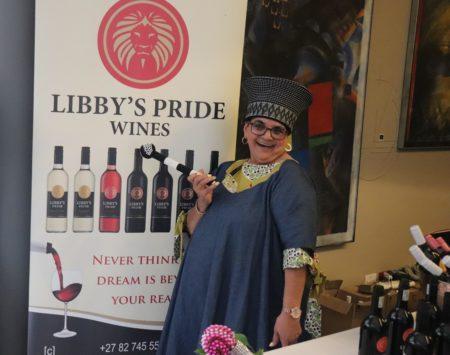 Deltag i vin-middag i Gellerup og støt i Sydafrika
