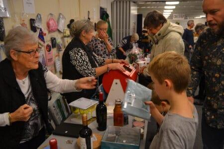 Lyn-basar i Brabrand Sognegård fredag eftermiddag