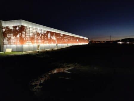 Søstrene Grene hyldes for facade-kunstværk i Årslev