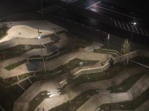 Politiet massivt til stede i Gellerup: Opfordrer til at holde unge inde