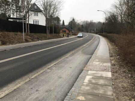 Pudebump på Hejredalsvej – fartdæmpning på Hovedgaden er udskudt