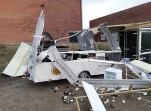 Gaseksplosion smadrede Morten Sands madvogn søndag morgen