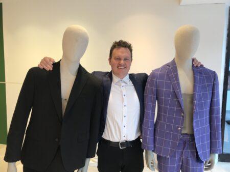 Han er vild med jakkesæt: Nu rykker han ind i City Vest