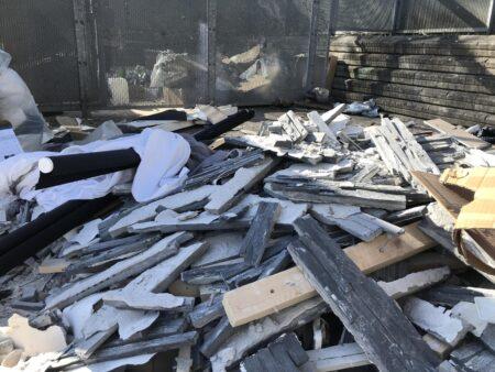 Virksomheder smider farligt affald i containergårde i Gellerup