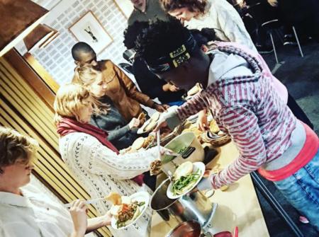 Smag På Verden inviterer igen til fællesspisning i Gellerup