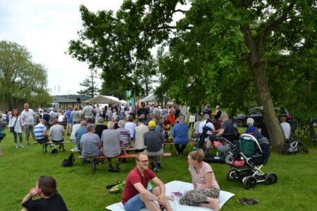 Coronaen spiller med: Grundloven fejres dog i Brabrand Søpark