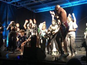 Sikke en fest: Alsang samlede generationerne til sang og dans