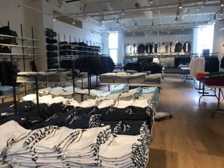 Nye i City Vest: Brødre åbner tøjbutik med vilde priser