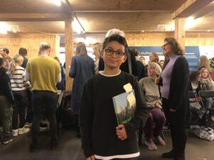 Elever fra Sødal- og Engdalskolen udgiver bog med fotos og digte